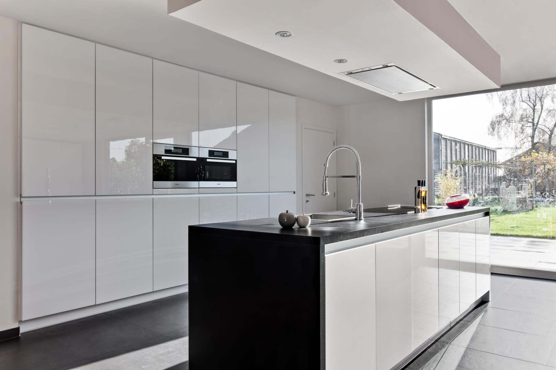Moderne l keuken interieur meubilair idee n for Keuken interieur